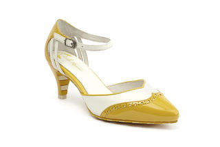LOLA RAMONA Kitten Wingtip Pumps Yellow