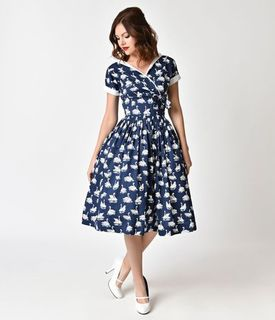 UNIQUE VINTAGE 1950s Style Navy Blue And White Swan Print Pleated Waldorf Swing Dress
