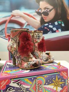 IRREGULAR CHOICE Queen Velvet Booties Pink