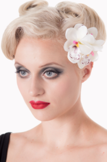 BANNED APPAREL Blossom Hair Flower Clip White