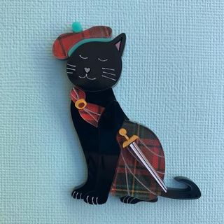 WINTERSHEART Red Kilted Kitty Brooch