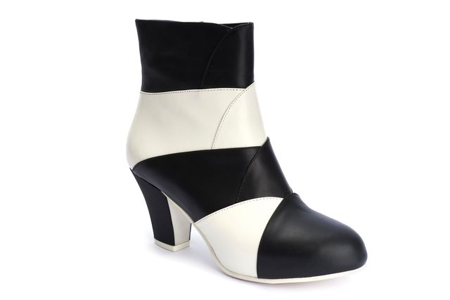 LOLA RAMONA Elsa Icon Black and White Ankle Boot Last One Size 41