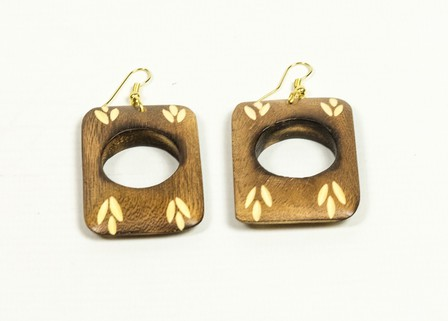 SPLENDETTE Carved Rectangular Light Wood Tiki Earrings