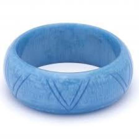 SPLENDETTE Large Carved Powder Blue Bangle