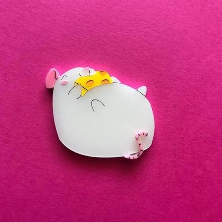 DAISY JEAN FLORAL White Fat Rat Brooch